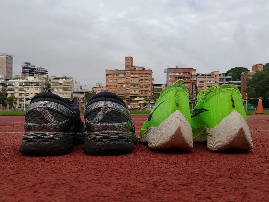 慢跑鞋的支撐設計對足內旋的影響