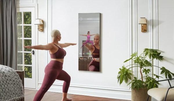 邊看邊做,創新運動產品-健身鏡